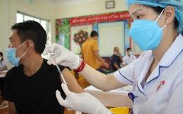 Quảng Ninh tiêm vaccine phòng COVID-19 mũi 2 diện rộng