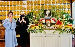 """Tang lễ Phi Nhung tại Mỹ: Thúy Nga nhớ bạn khi nghe giọng con gái giọng ca """"Bông điên điển"""""""