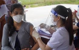 Quảng Bình: Tổ chức tiêm vaccine phòng COVID-19 cho sinh viên Lào
