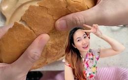Người đẹp không tuổi làng MC Việt làm bánh được con khen nghe tiếng bóp rất sexy