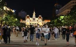 TP.HCM: Phố đi bộ đông nghẹt vào cuối tuần, nhiều người bị xử phạt vì không đeo khẩu trang