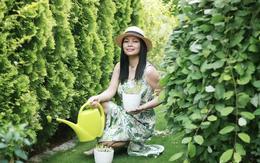 """Ngôi nhà với phong cách tối giản thư thái và khu vườn đẹp chẳng khác gì """"chốn thần tiên"""" của mẹ Việt"""