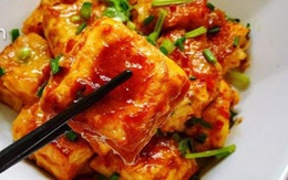 Chẳng cần nấu với thịt, đậu sốt chua ngọt kiểu mới thế này cũng hết bay nồi cơm