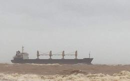 Thông tin mới vụ tàu hàng cùng 20 thuyền viên mắc cạn ở vùng biển Quảng Trị