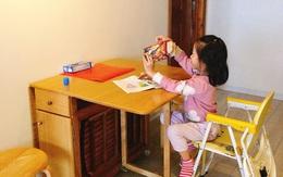 """Sắm chiếc bàn ăn gấp gọn """"7 in 1"""", mẹ Hà Nội bất ngờ vì công năng tuyệt vời của nó"""