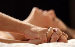 """Chồng hờ hững """"yêu"""", vợ lén tìm hiểu thì ân hận vì lý do không ngờ"""