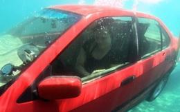 3 bước cần làm ngay trong 30 giây vàng để thoát khỏi chiếc xe rơi xuống nước