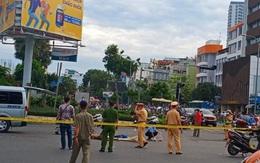 Va vào xe khách giữa giao lộ trung tâm TP.HCM, người đàn ông tử vong