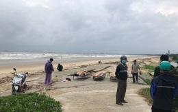 Thi thể 3 thanh thiếu niên ở Quảng Ngãi bị lũ cuốn trôi được tìm thấy tại bãi biển Quảng Nam