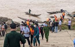 Quảng Trị: Giải cứu thành công Phó Giám đốc Sở cùng 6 người mắc kẹt trên sông