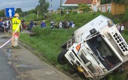 Dắt bộ xe máy trên quốc lộ, người đàn ông bị xe đông lạnh tông chết