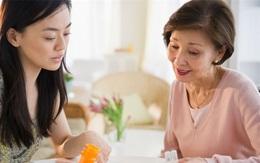 Vợ quan tâm nhiều đến cha mẹ chồng cũ