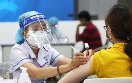 Kỷ lục tiêm gần 1,4 triệu mũi vaccine một ngày và 'điều kiện tiên quyết' nào để Việt Nam thích ứng an toàn với dịch COVID-19?