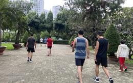 Người Sài Gòn hào hứng đến công viên tập thể dục, vui chơi