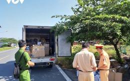 Tiền Giang xử phạt, tịch thu hàng trăm sản phẩm nhập lậu từ xe 'luồng xanh'