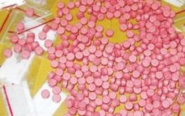 Tài xế Grab bị 'bom hàng' hơn 1.000 viên ma túy tổng hợp