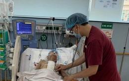 Cụ bà 82 tuổi dùng dao ăn trầu tự đâm thủng tim mình
