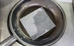 """Dùng loại giấy này để rán cá thay chảo chống dính,  """"sáng kiến"""" gây bão cho hàng nghìn chị em"""