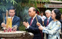 Chủ tịch nước dâng hương tưởng nhớ Vua Hùng