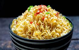 """Nhỡ bữa phải ăn mì tôm cần áp dụng ngay 5 điều này để tránh """"rước độc vào thân"""""""