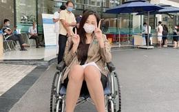 Mai Phương Thúy bất ngờ chia sẻ hình ảnh ngồi xe lăn khiến Đông Nhi lao ngay vào hỏi thăm, chuyện gì đây?