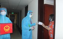 787 cử tri đặc biệt ở Thừa Thiên Huế được bầu cử ngay tại cửa phòng cách ly