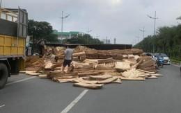Va chạm giao thông ở Hà Nội khiến 2 người thương vong