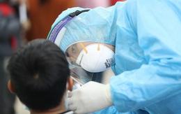 Thần tốc lấy 2.000 mẫu xét nghiệm ở Bệnh viện K cơ sở Tân Triều