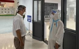 Thứ trưởng Nguyễn Trường Sơn kiểm tra đột xuất Bệnh viện dã chiến 2 Bắc Giang