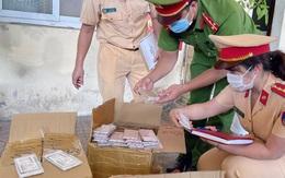 Người phụ nữ ôm lô điện thoại trị giá gần một tỷ đồng từ TPHCM ra Hà Nội
