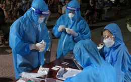 Nghệ An: Xuyên đêm test nhanh COVID-19 miễn phí cho người dân ở TP Vinh