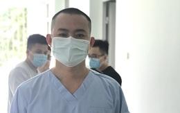 """Bác sĩ Bệnh viện C Đà Nẵng """"xuống tóc"""" để chi viện Bắc Giang, rồi lại được bà xã khen """"ngầu"""""""