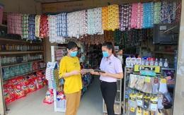 Nhóm nhân viên bán hàng thiết yếu mong sớm được tiêm vắc xin COVID-19