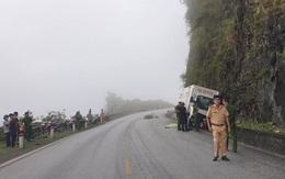 Người phụ nữ đi xe máy tử vong sau khi va chạm với xe tải trên QL6