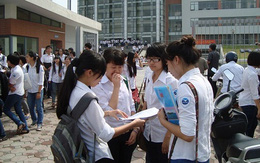 Hà Nội: Thí sinh làm thủ tục dự thi vào lớp 10 bằng hình thức trực tuyến