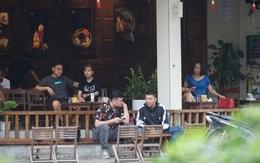 Chưa đầy 2 ngày thêm gần 20 ca, Hà Nội lại đóng hàng quán, dịch vụ cắt tóc gội đầu...