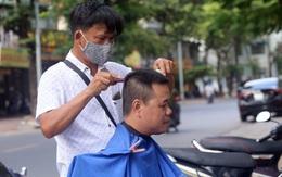Hà Nội: Người dân ùn ùn kéo đi cắt tóc trước giờ cấm