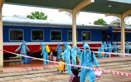 Chuyến tàu nghĩa tình đưa hàng trăm công dân Thừa Thiên Huế từ TP. HCM về quê