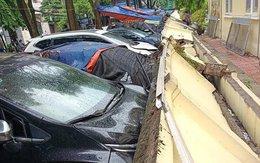 Vụ 13 ô tô bị tường sập đè trúng, ai sẽ phải đền cho các chủ xe?