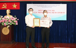 VUS tài trợ 8 máy thở, 5.000 bộ bảo hộ phục vụ công tác chống dịch