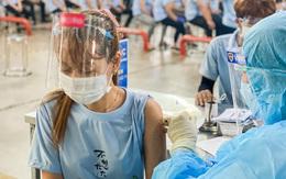 """VNVC tiếp tục """"tung quân"""" tăng tốc tiêm vaccine COVID-19 ở Bình Dương"""