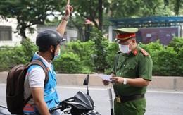 2 ngày cuối tuần, 47 người ở Hà Nội bị xử phạt vì không chịu đeo khẩu trang nơi công cộng