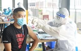TP Hồ Chí Minh: Người dân TP Thủ Đức phấn khởi xếp hàng tiêm vaccine Vero Cell