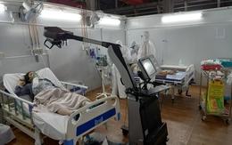 Dốc cả tâm lực điều trị cho bệnh nhân nặng ở Trung tâm Hồi sức Tích cực COVID-19 BV Bạch Mai tại TP.HCM