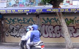 Hà Nội: Cảnh tượng khó tin trên phố Hàng Mã dịp Rằm tháng 7