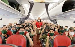 Tiếp tục các chuyến bay chở hàng ngàn cán bộ, bác sỹ, học viên quân y lên đường vào Nam chống dịch