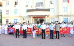 152 cán bộ y tế Hà Tĩnh chi viện Nghệ An chống dịch