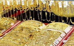 Giá vàng tăng vọt trước những dữ liệu kinh tế đáng thất vọng