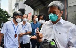 Thứ trưởng Nguyễn Trường Sơn kiểm tra người dân TP.HCM tự xét nghiệm tại nhà