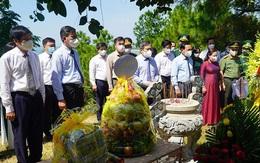 Dâng hương tưởng niệm 110 năm Ngày sinh Đại tướng Võ Nguyên Giáp